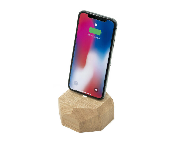 iphone dock oakywood oak 2