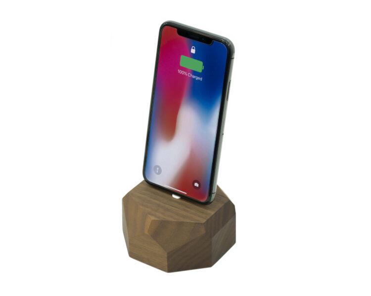 iphone dock walnut oakywood 2