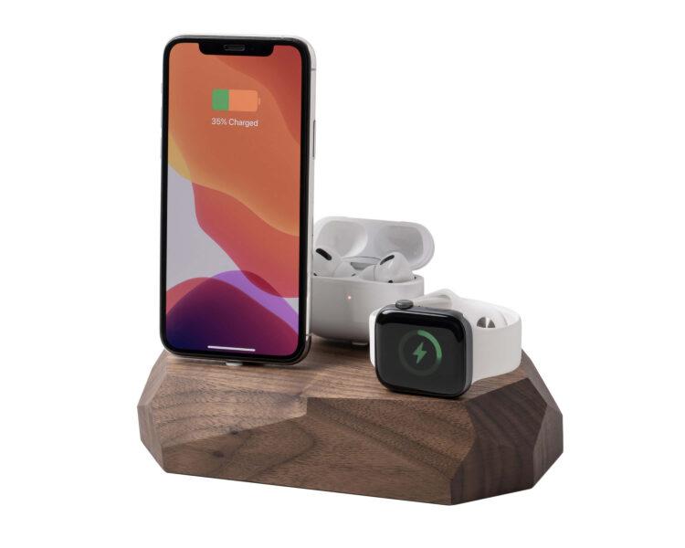 iphone triple dock walnut oakywood 1