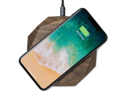 wireless charger geometric walnut oakywood 1