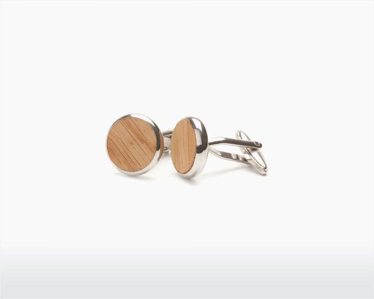 wooden cufflinks round oak two o on wooden amsterdam webshop.jpg