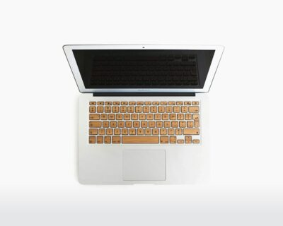 rauw wooden apple keyboard bamboo front on webshop wooden amsterdam.jpg