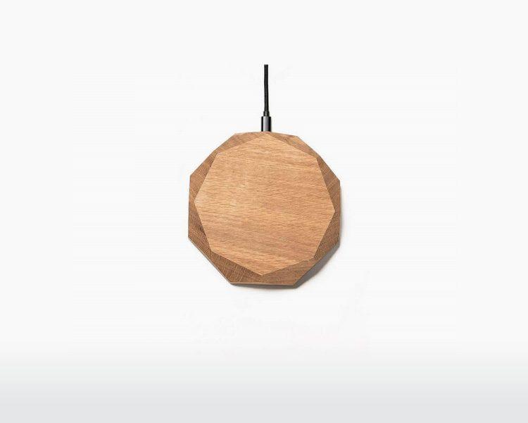 wooden wireless charger oakywood oak on webshop wooden amsterdam.jpg